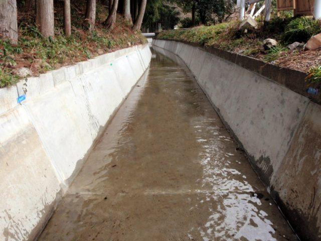 水路補修工